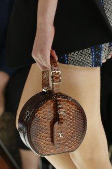 Кожаная сумка женская под змею