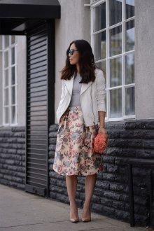 Бежевая юбка цветочная