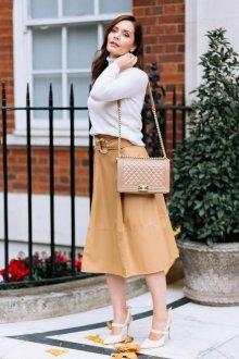 Бежевая юбка стильная