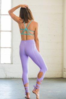 Спортивные легинсы для йоги