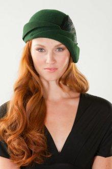 Кепка женская зеленая