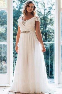 Свадебное платье для полных с декольте