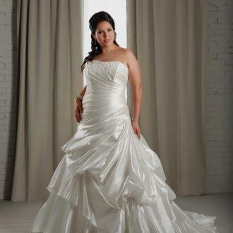 Свадебное платье для полных с драпировкой