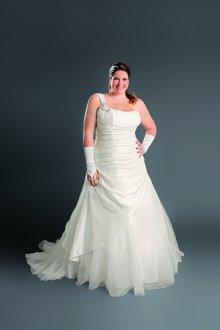 Свадебное платье для полных из фатина