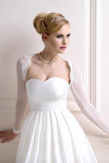 Свадебное платье для полных с кружевным болеро