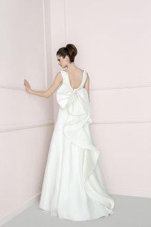 Свадебное платье для полных с оборками