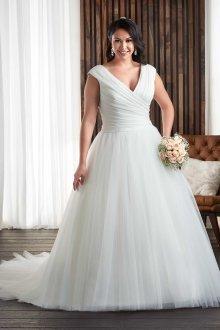 Свадебное платье для полных простое пышное