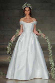 Свадебное платье для полных простое