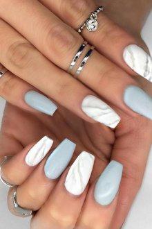 Мраморный маникюр на длинные ногти