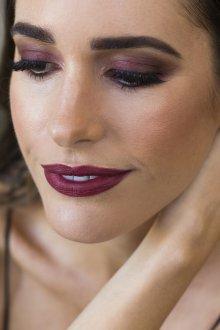 Бордовый макияж для брюнеток