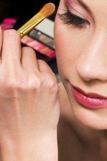 Бордовый макияж нанесение