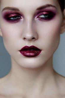 Бордовый макияж смоки