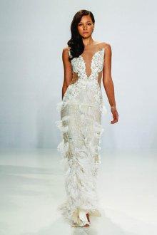 Кружевное свадебное платье с бахромой