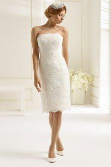 Кружевное свадебное платье футляр