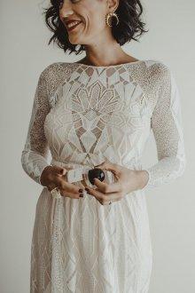 Кружевное свадебное платье геометрическое
