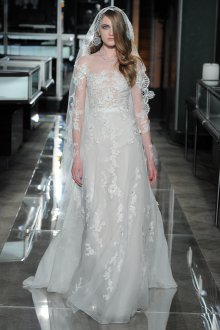 Кружевное свадебное платье испанское