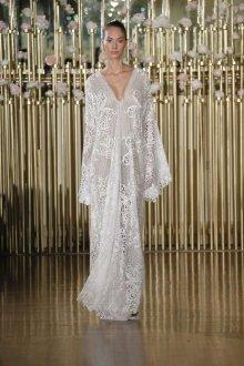 Кружевное свадебное платье клеш