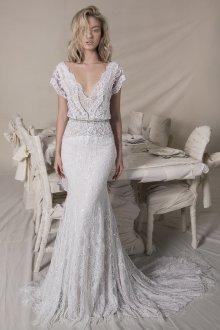 Кружевное свадебное платье с кристаллами