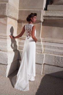 Кружевное свадебное платье прямого кроя