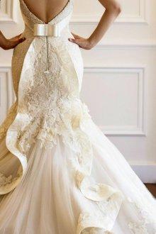 Кружевное свадебное платье оригинальное