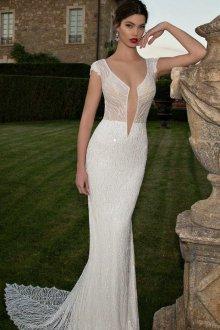 Кружевное свадебное платье с пайетками
