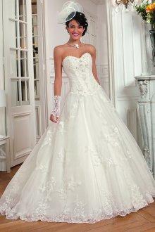 Кружевное свадебное платье принцесса