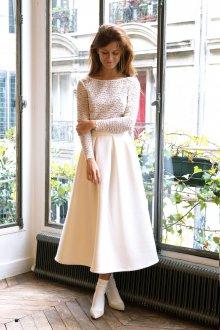 Кружевное свадебное платье простое