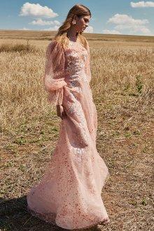 Кружевное свадебное платье розовое