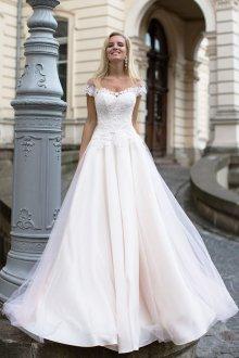 Кружевное свадебное платье с сеткой