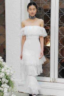 Кружевное свадебное платье сезон