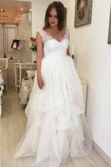 Кружевное свадебное платье шифоновое