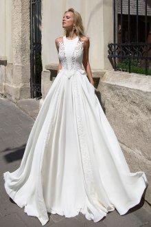 Кружевное свадебное платье свободное