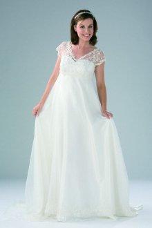 Кружевное свадебное платье с высокой талией