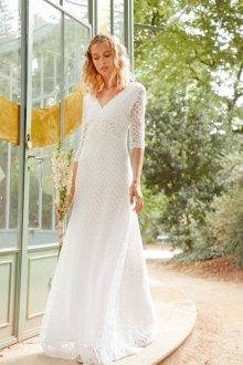 Кружевное свадебное платье с рукавом три четверти