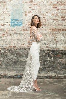 Кружевное свадебное платье узкое