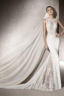 Свадебное платье с кружевными вставками