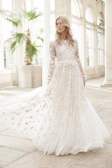 Кружевное свадебное платье закрытое длинное
