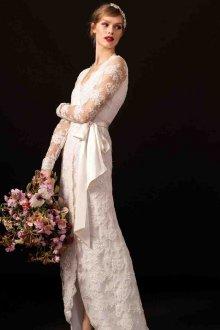 Кружевное свадебное платье с запахом