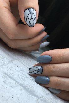 Серый маникюр омбре геометрический