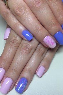 Маникюр битое стекло розово-синий