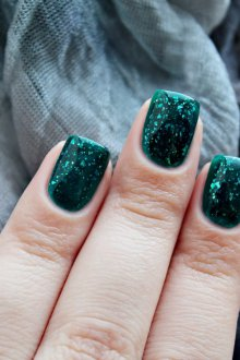 Маникюр битое стекло зеленого цвета