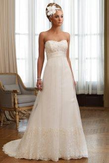 Свадебное платье со шлейфом в стиле ампир