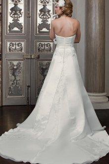 Свадебное платье со шлейфом круглым