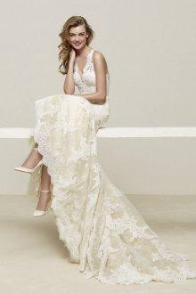 Свадебное платье со шлейфом модное