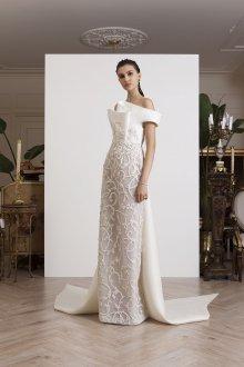 Свадебное платье со шлейфом из плотной ткани