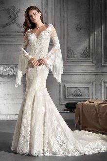 Свадебное платье со шлейфом стильное