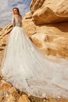 Свадебное платье с юбкой шлейфом