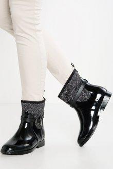 Резиновые ботинки черные