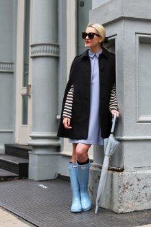 Резиновые ботинки голубые