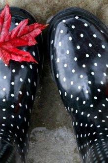 Резиновые ботинки в горошек